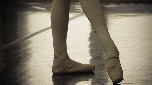 ballet dancer legs shin splints