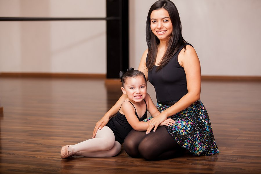 mother and daughter dance class